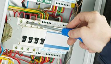 Instalações Elétricas Comerciais e Industriais